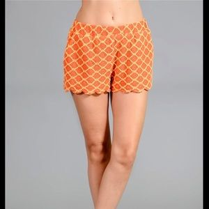Textured Fabric Scallop Shorts